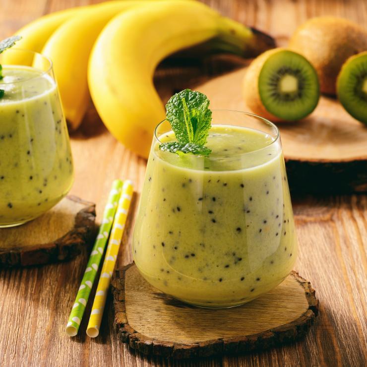 Banán-kiwi-alma smoothie